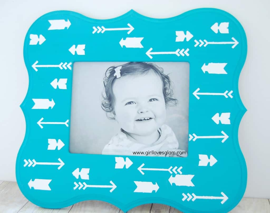 Arrow print stenciled picture frame on www.girllovesglam.com #easy #tutorial #diy #stencil