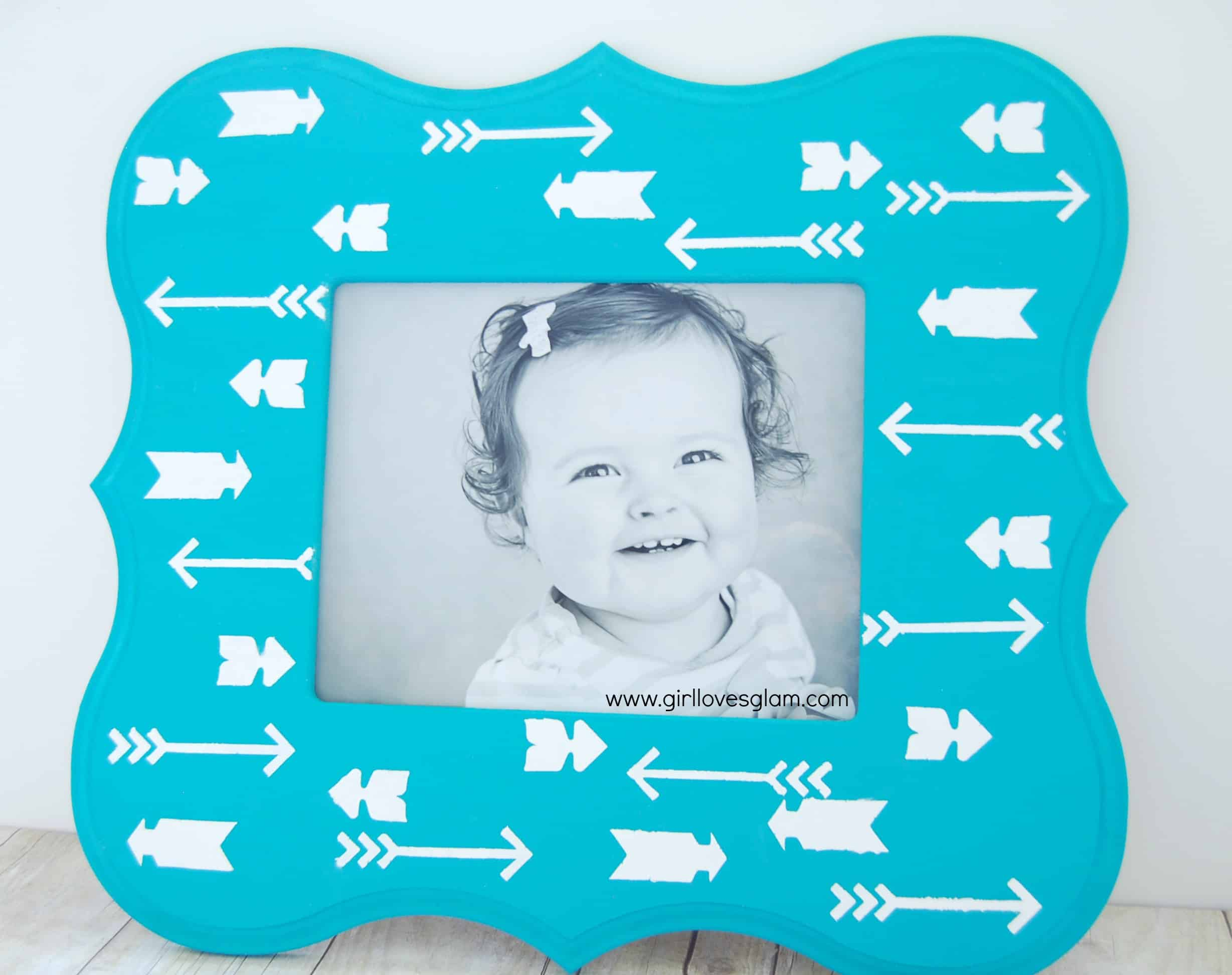 Arrow print picture frame with handmade charlotte stencils girl arrow print stenciled picture frame on girllovesglam easy tutorial jeuxipadfo Image collections