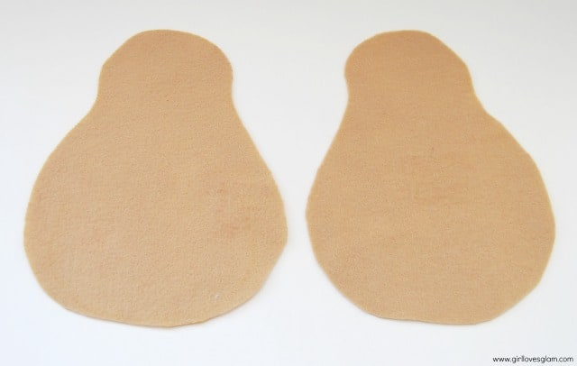 Soft Mr. Mrs. Potato Head tutorial on www.girllovesglam.com #diy #felt #toy