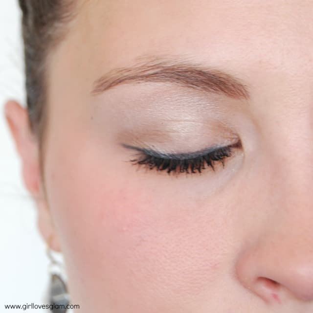 Nude eye makeup tutorial on www.girllovesglam.com #makeup #tutorial
