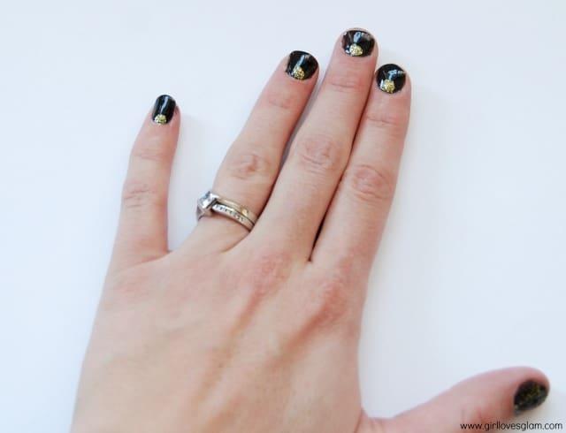 Winter Glitter Nail Art