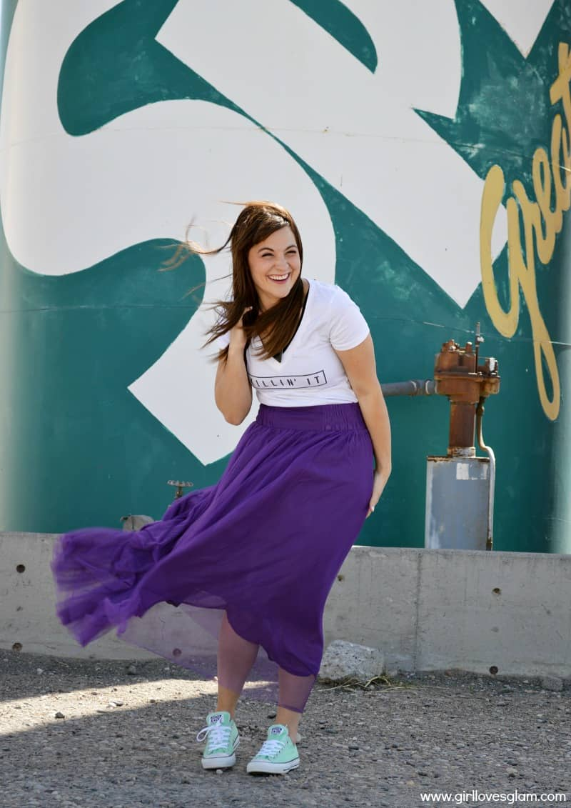 Purple net skirt and t-shirt on www.girllovesglam