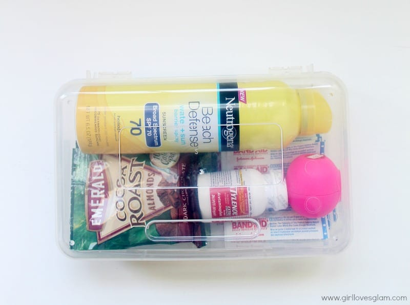 How to make a survival and first aid kit for summer #ad