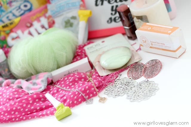 Easy Birthday Gift Ideas on www.girllovesglam.com
