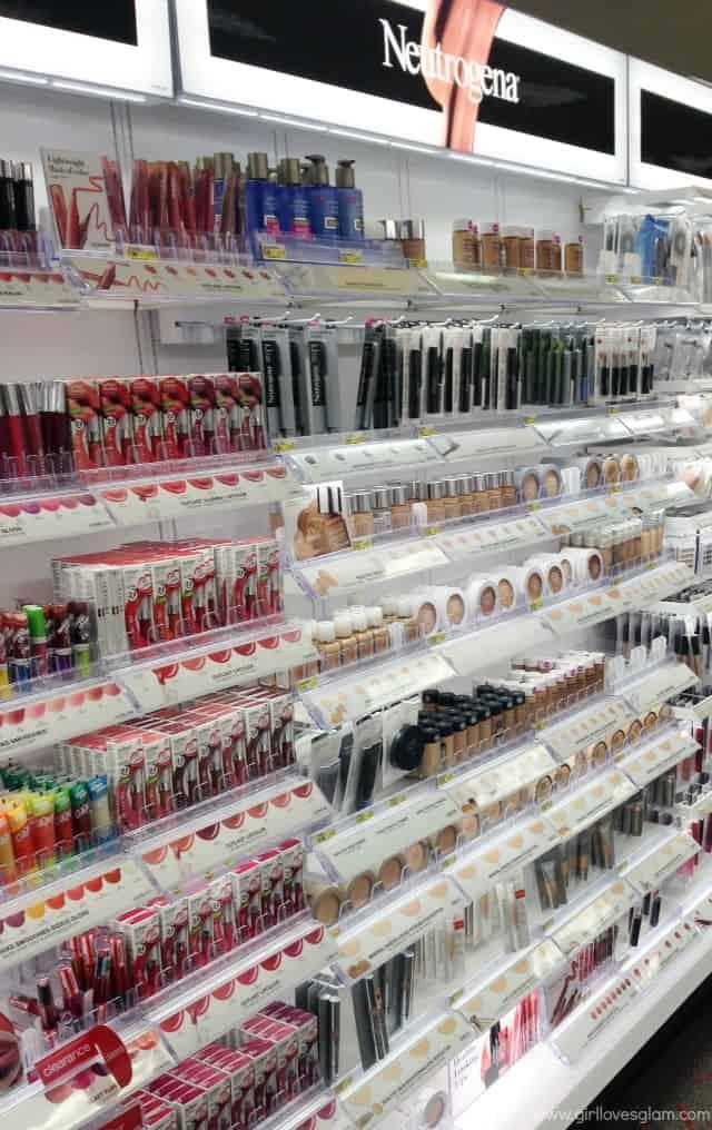 Neutrogena at Target on www.girllovesglam.com