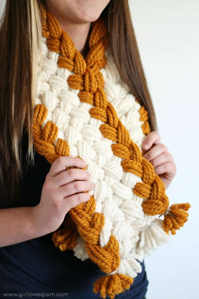 Chunky Braided Scarf tutorial from www.girllovesglam.com