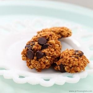 Healthy Pumpkin Chocolate Chip Cookies on www.girllovesglam.com