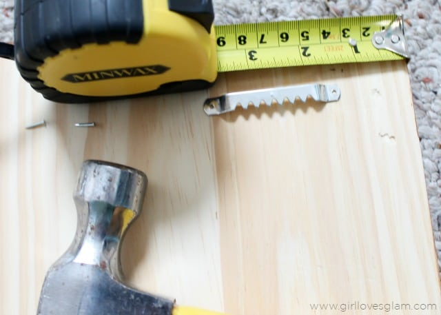 How to hang up wood command center on www.girllovesglam.com