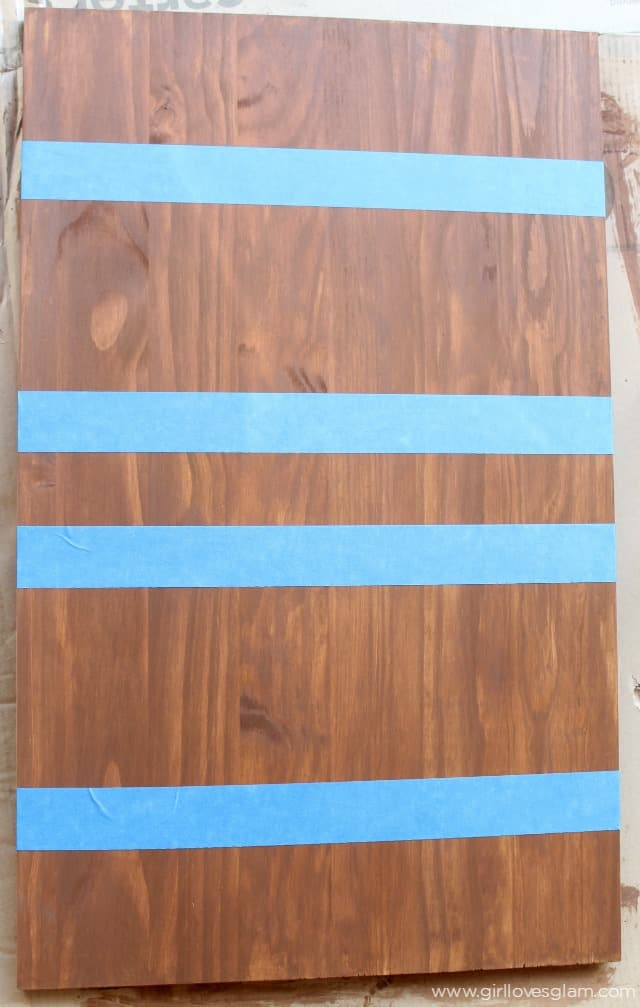 How to stain wood in stripes on www.girllovesglam.com