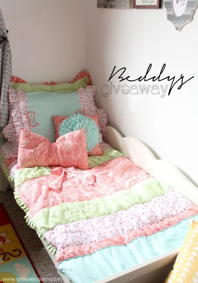 Beddy's Zipper Bedding Giveaway on www.girllovesglam.com
