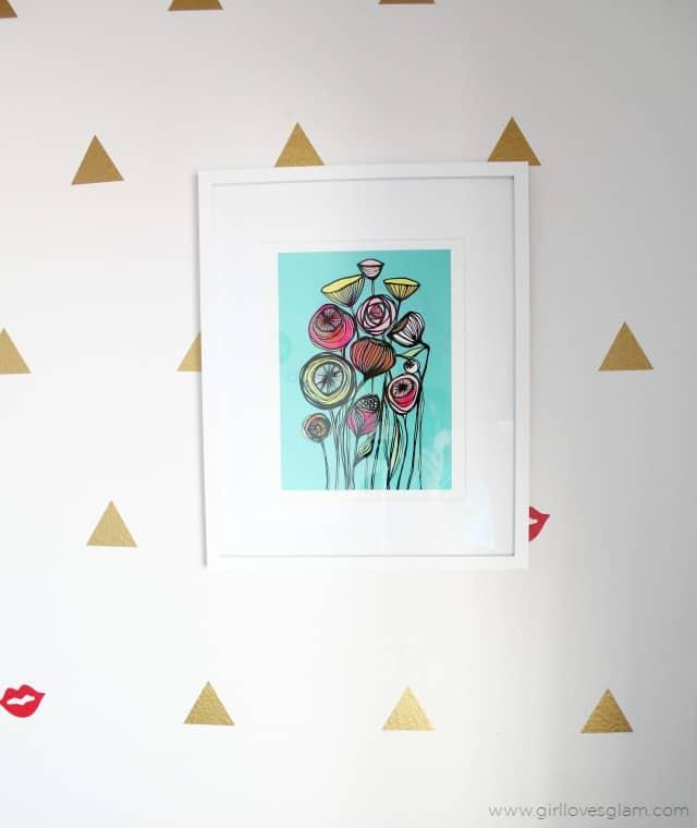 Modern Flower Artwork on www.girllovesglam.com