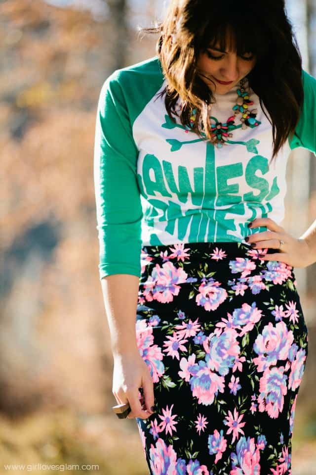 Casual baseball tee and skirt look on www.girllovesglam.com