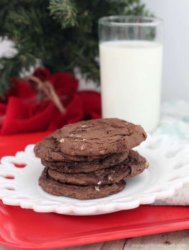 Chewy Thin Mint Chocolate Cookies Recipe on www.girllovesglam.com