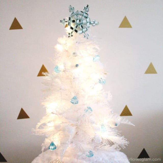 elsa inspired christmas tree on wwwgirllovesglamcom - Elsa Christmas Decoration