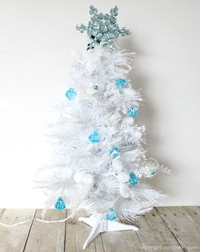 elsa inspired tree on wwwgirllovesglamcom - Elsa Christmas Decoration