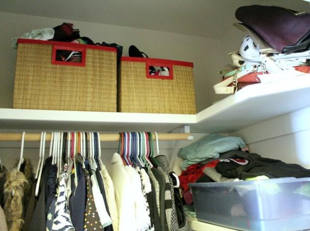Easy Closet Organization on www.girllovesglam.com