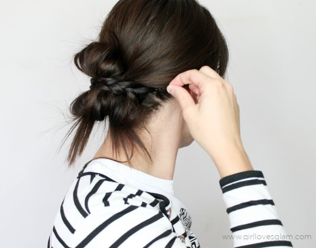 Fast and easy hairstyle tutorial on www.girllovesglam.com
