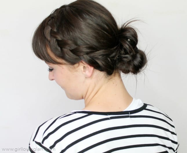 Fast and easy midlength hairstyle tutorial on www.girllovesglam.com