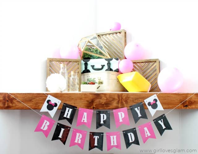 Minnie Mouse Birthday Banner on www.girllovesglam.com