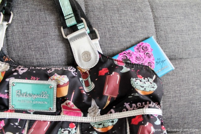 Betsey Johnson Kleenex Tissues on www.girllovesglam.com #KleenexBetseyStyle