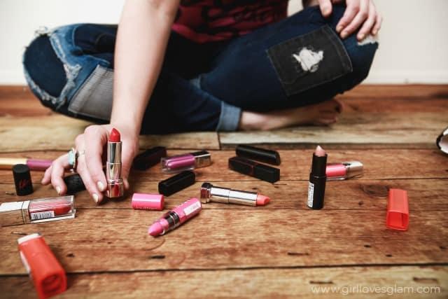 Lipstick on www.girllovesglam.com