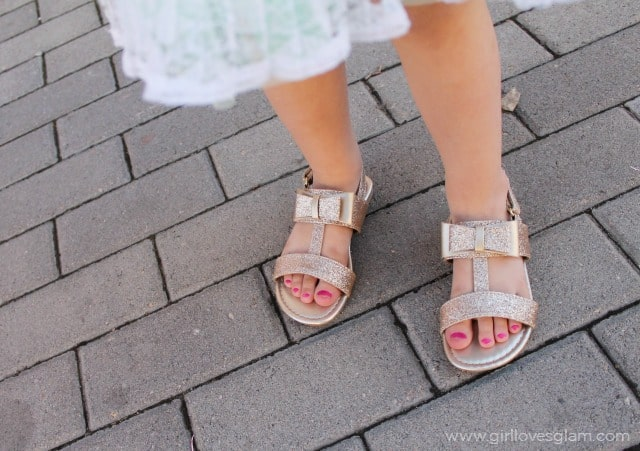 Toddler Gold Glitter Bow Sandals on www.girllovesglam.com