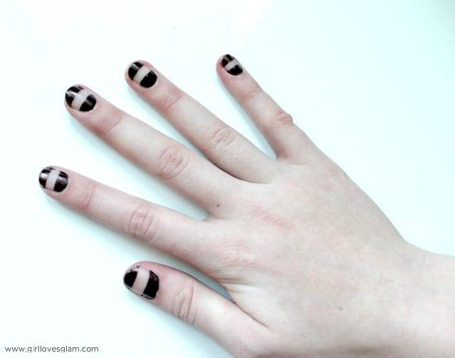Sharpie Nails on www.girllovesglam.com