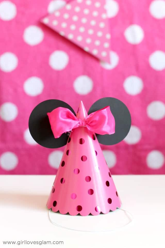 Minnie Mouse Party Hats on www.girllovesglam.com