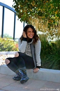 Fun Casual Fall Outfit on www.girllovesglam.com