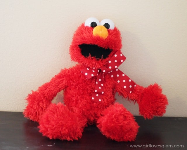 Elmo Gift on www.girllovesglam.com