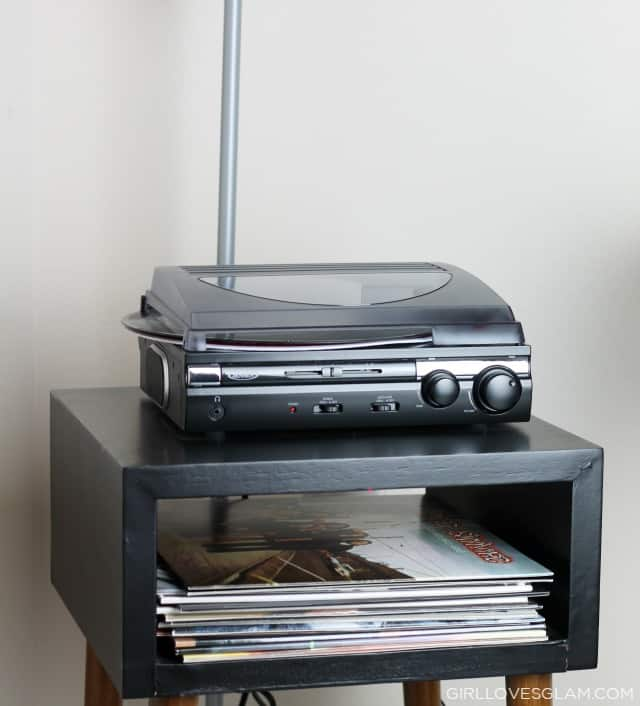 Record Player on www.girllovesglam.com