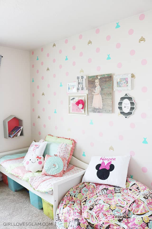 Bright and Colorful Little Girl's Bedroom on www.girllovesglam.com