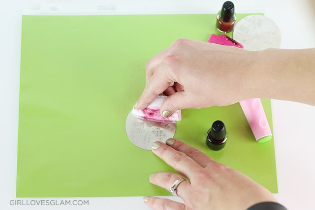 Konad Nail Stamp Set How To on www.girllovesglam.com