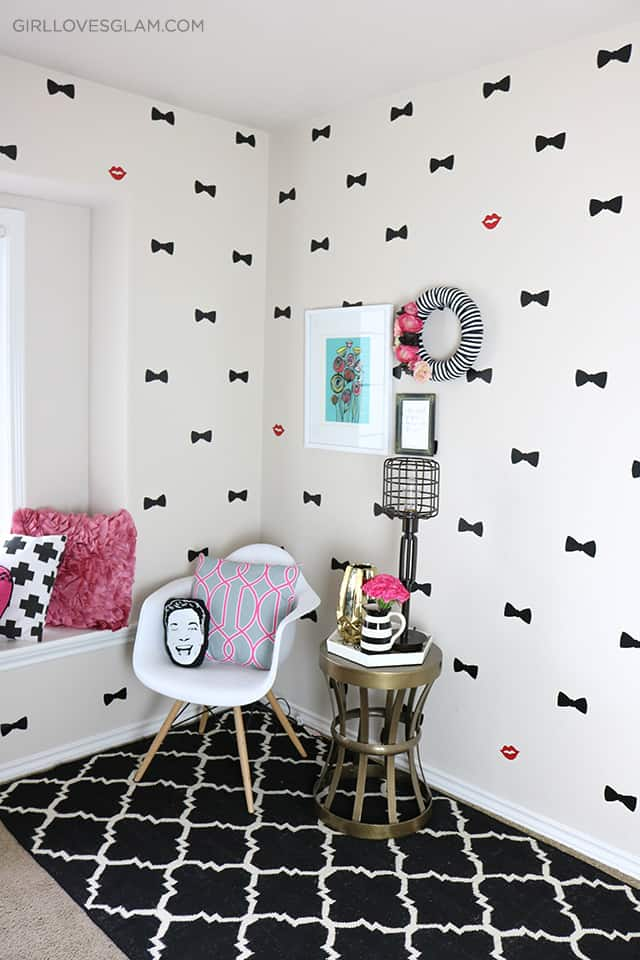 Office Reveal Kate Spade Bow Print Inspired on www.girllovesglam.com