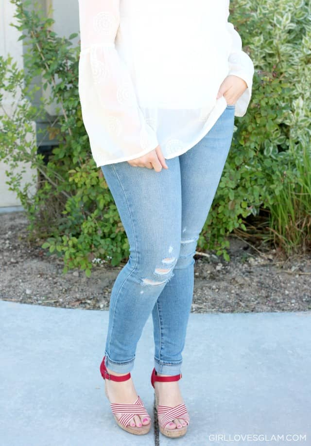 Levi's 711 Skinny Jeans Distressed on www.girllovesglam.com