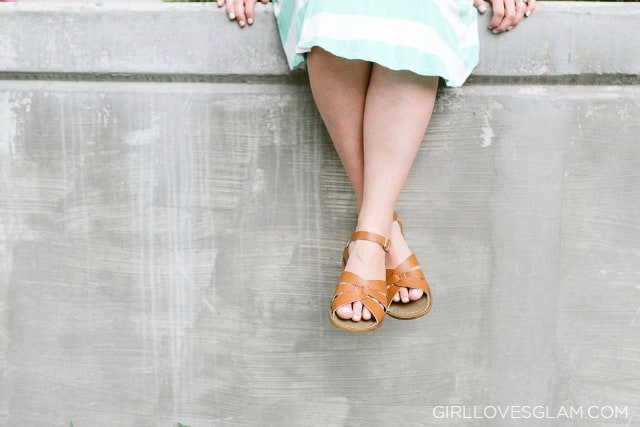 Saltwater Sandals on www.girllovesglam.com