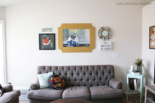 Living Room Gallery Wall on www.girllovesglam.com