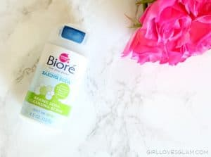 Biore Baking Soda Cleansing Scrub on www.girllovesglam.com