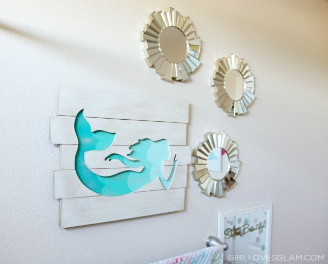Mermaid Bathroom Decor on www.girllovesglam.com
