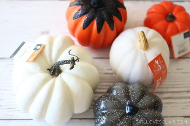 Easy Pumpkin Craft on www.girllovesglam.com