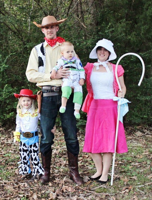 Toy Story Family Halloween Costume on www.girllovesglam.com
