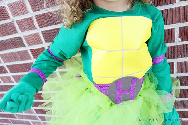 Ninja Turtle DIY No Sew Costume on www.girllovesglam.com