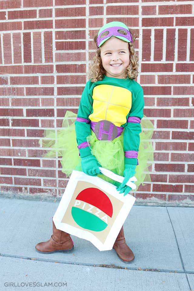 Pizza Bag for Ninja Turtle Costume on www.girllovesglam.com