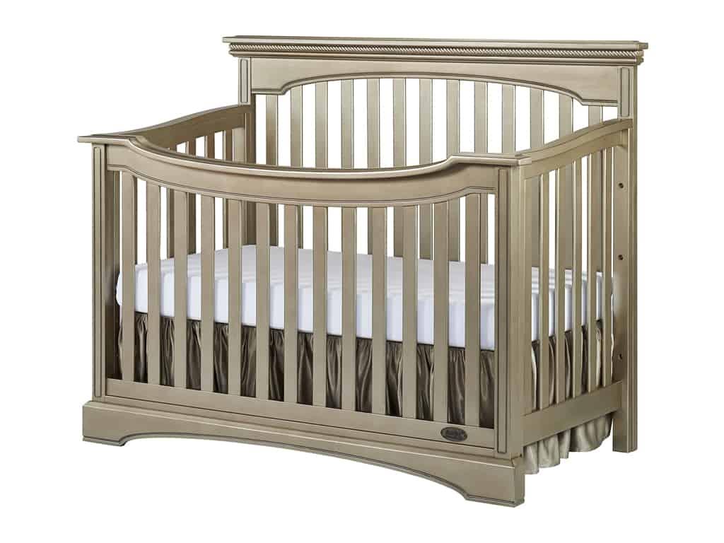 Evolur Windsor Crib on www.girllovesglam.com