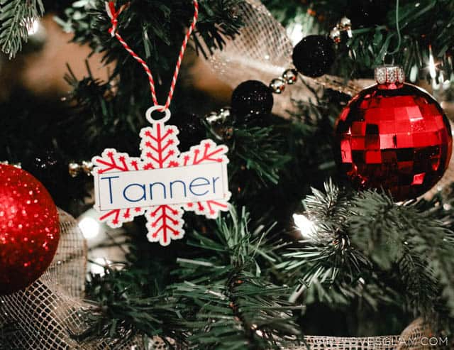Simple Shrinky Dinks Christmas Ornaments for Kids to give Friends on www.girllovesglam.com