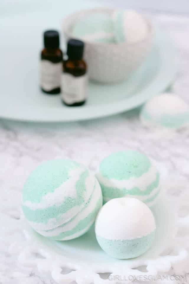 Bath Bomb Recipe for Colds and Sinus Relief on www.girllovesglam.com