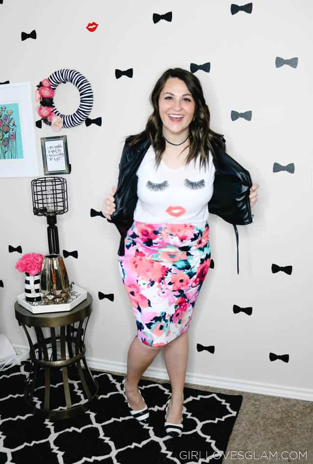 Postpartum Style while losing the baby weight on www.girllovesglam.com