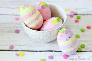 Easter Egg Bath Bomb Idea on www.girllovesglam.com
