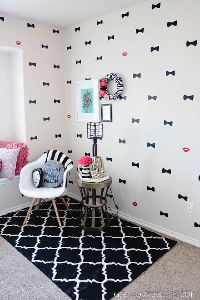 Kate Spade inspired Bow Office on www.girllovesglam.com