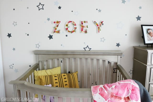 Star Wall Nursery on www.girllovesglam.com